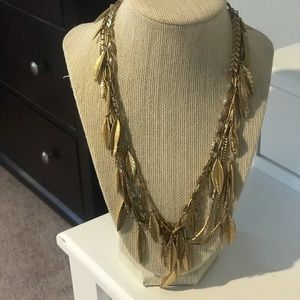 Stella and dot gold leaf necklace